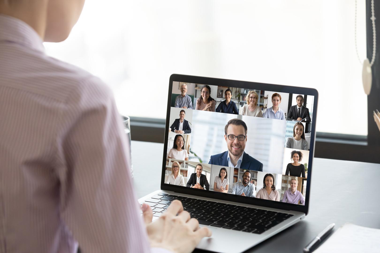 Tænk alternativt og afhold dine events online