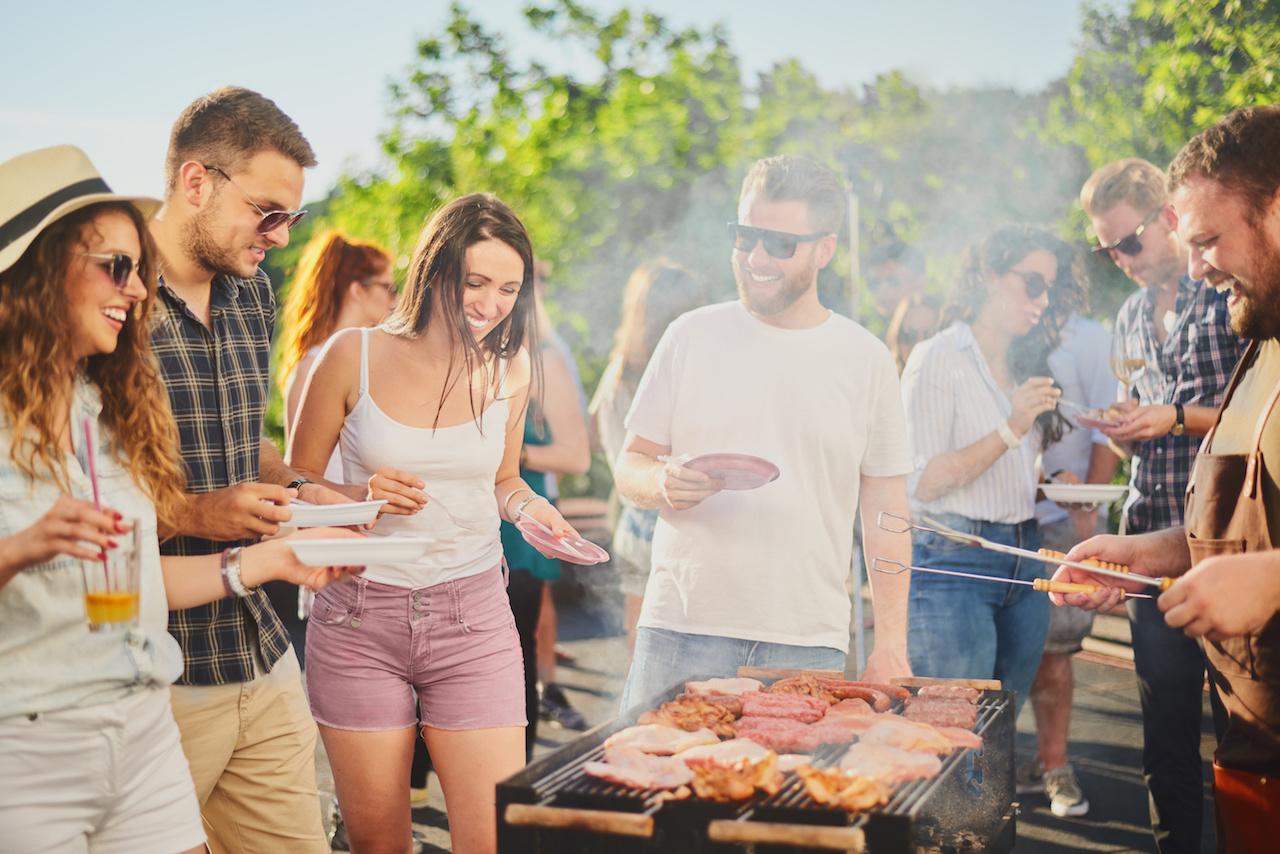 Sommerfest med grillmad i idrætsforeningen