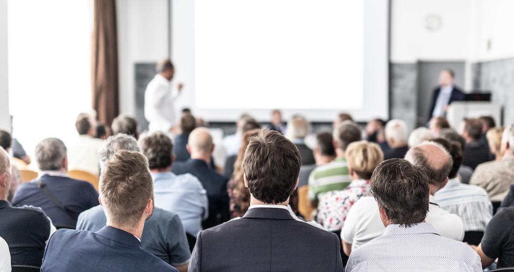 Konferenceoplægsholder